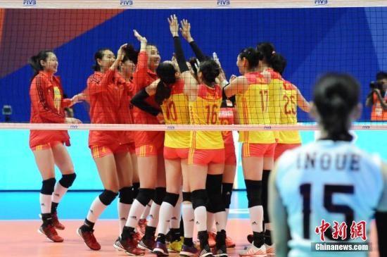 资料图:中国女排在比赛中。中新社记者 李志华 摄