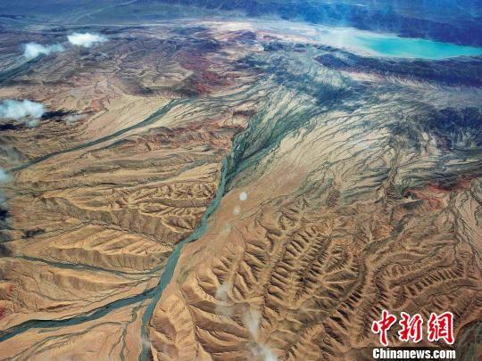 资料图为青海三江源区域。