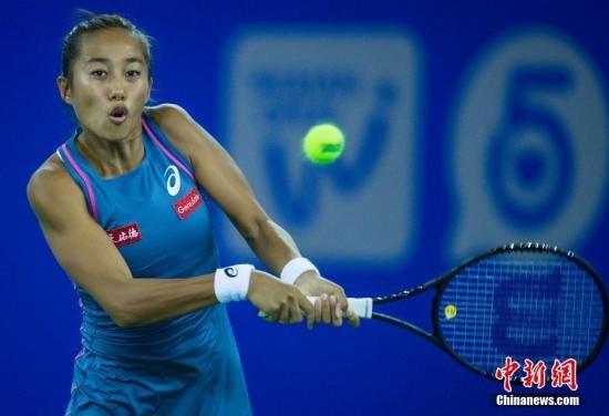 9月23日,2018武汉网球公开赛开战,张帅在比赛中。中新社记者 张畅 摄