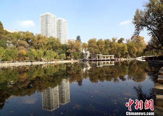 图为青海省西宁市城区。中新社记者 马铭言 摄
