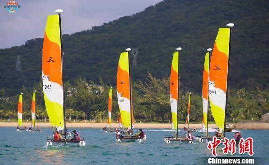 2018年中国家庭帆船赛最后一站分站赛12月2日在海南三亚收官。中国帆船帆板运动协会 供图