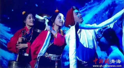 视频截图为《魅力中国城》活动现场。