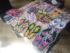 李先金做的鞋垫。