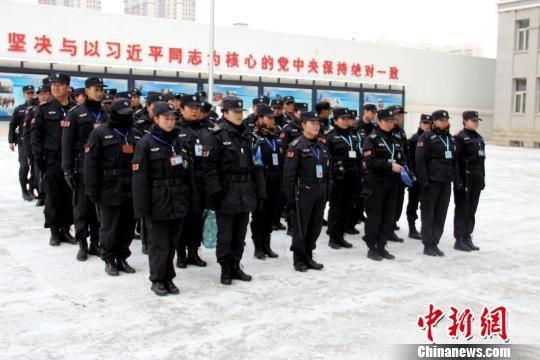 图为操作技能提升培训现场。西宁市公安局交通治安分局