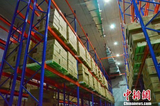 图为青海三江一力农业集团有限公司仓储库房。 鲁丹阳 摄