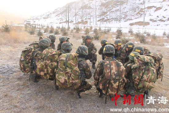 图为武警西宁支队特战分队开展新年度实战化训练。钟欣摄