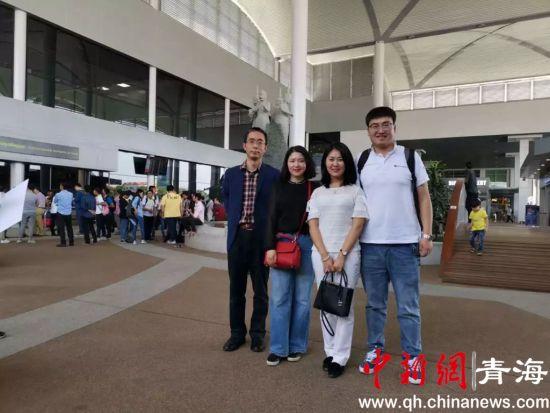 图为青海大学一行人抵达柬埔寨。钟欣摄