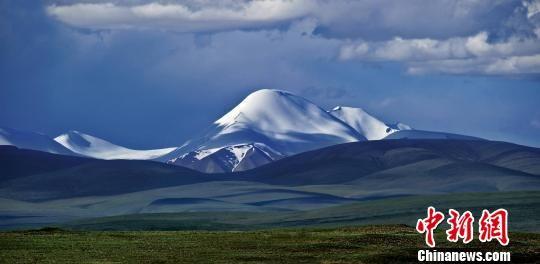 图为昆仑山东段最高峰玉珠峰。(资料图)三江源国家公园管理局供图