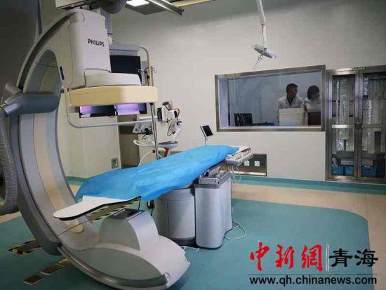 图为新建成的一体化微创介入手术室