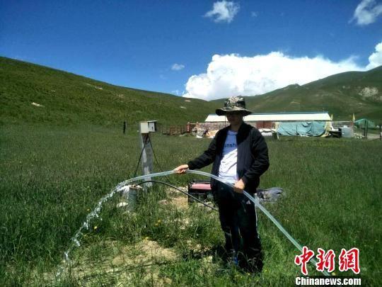 图为牧民家中实施完成的人饮工程。 祁连水利局供图