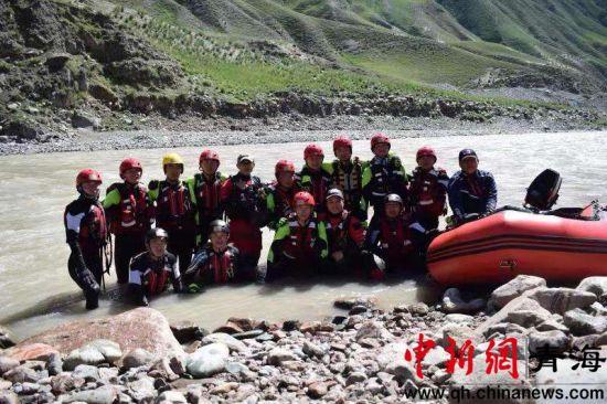 图为水域救援培训工作现场。李宗奕摄