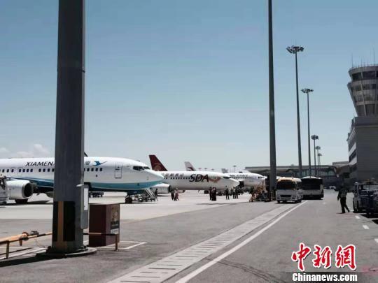 图为西宁机场停机坪。 钟欣 摄