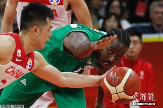 8日的比赛中,中国队首节比赛还保持领先,但中场结束前就被对手反超,末节更是逐渐落后,最终不敌尼日利亚队。中国队取得两胜三负、净胜分为-10分的战绩。伊朗队则凭借当晚比赛横扫菲律宾队取得两胜三负、净胜分为7分的成绩,从而成为亚洲成绩最佳的队伍,提前获得东京奥运会资格。