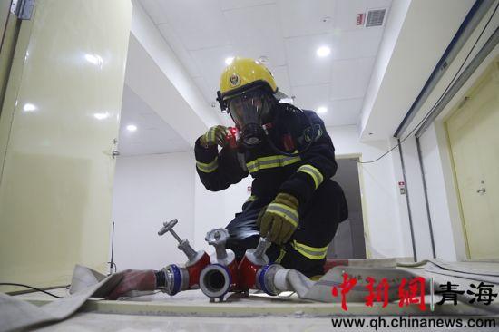 图为该演练灭火救援现场。
