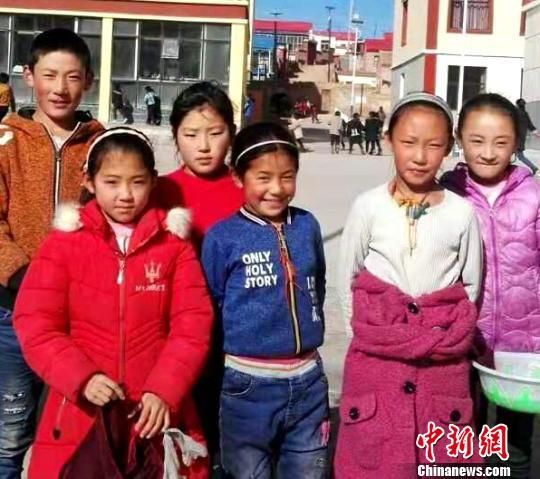 �D(tu)�辄S南州的藏族(zu)孩子��。 �(zhong)欣(xin) �z