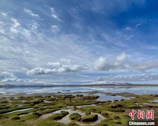 图为长江源头沱沱河流域上游的班德湖。 吐旦旦巴 摄