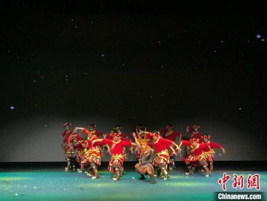 图为果洛大型格萨尔剧《赛马称王》亮相江苏昆山。 补海金 摄