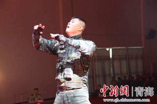 图为歌咏比赛现场。刘进峰 摄