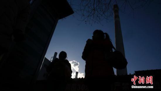 住建部:对煤改气气源未到位区域不得禁止烧煤取暖
