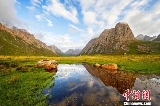 青海五年实施千余项生态保护项目 生态退化趋势被遏制