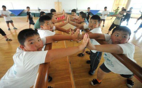 港媒:若不干预 2030年中国超重学生或达5000万人
