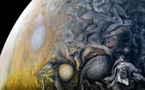 漫看木星云卷云舒:宇宙涡旋怒放 形态变幻莫测