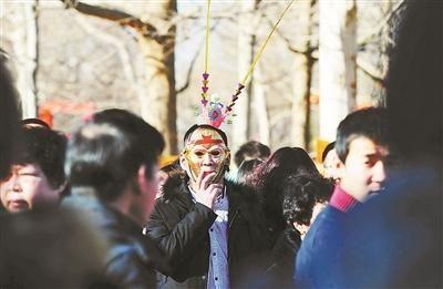 北京庙会开幕第一天迎客50万人