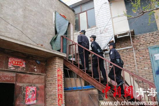 抓获涉嫌卖淫人员3名.   据了解,西宁市南川西路园树村、红星村临图片