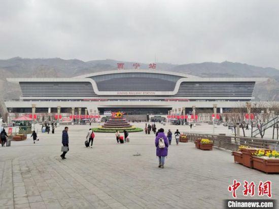 西寧至成都(du)鐵路初(chu)步設計地質鑽探工作全面(mian)復工