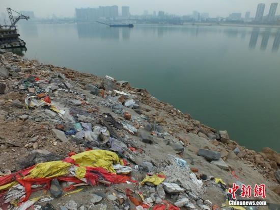 中国建筑垃圾年产18亿吨 资源化率不足10%
