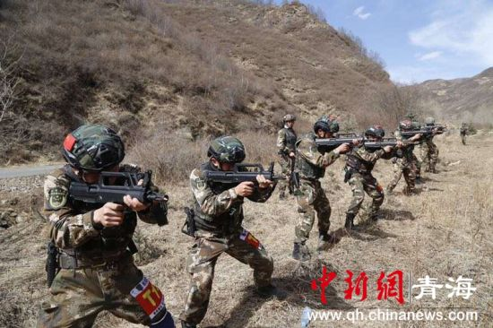 青海武警:山地反恐磨练铁拳尖刀