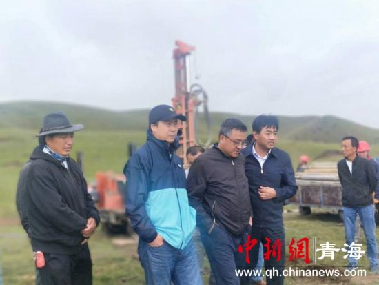 青海尖扎县幸福村:新建小口井20眼 牧民露笑颜