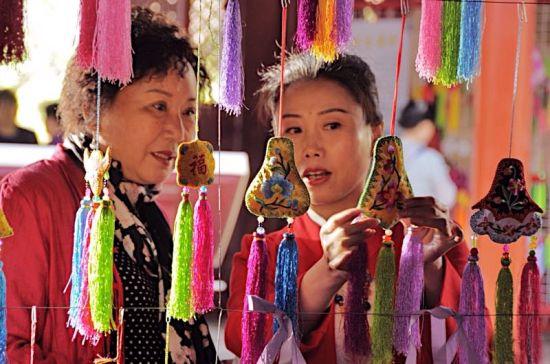 西宁开展多种民俗活动迎接端午节