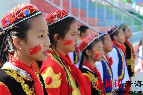 """民族团结进青海西宁校园:""""我和祖国共成长"""""""