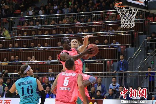 欧美职业篮球对抗赛甘肃定西开赛 克罗地亚队绝杀美国队