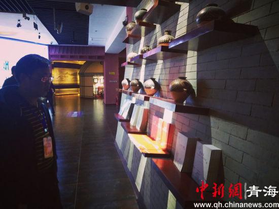 全国媒体大咖走进青海海西领略柴达木民族文化