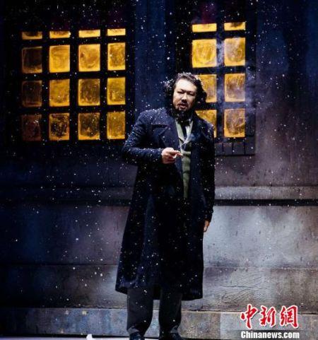 内蒙古上演话剧《信仰的力量》 穿越200年展现马克思一生