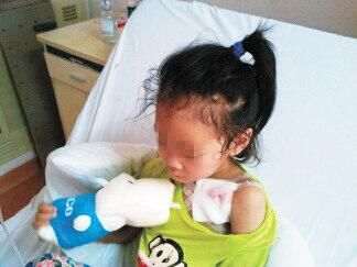 小女孩接种疫苗发生异常反应 百万医疗费如何负担?