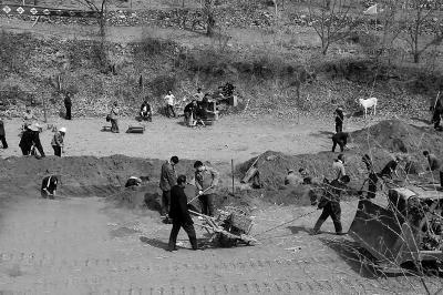 北京深山荒村变片场 农民当《鬼吹灯2》群演