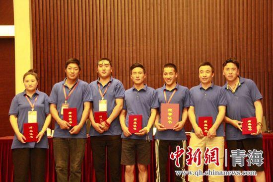 國家能源(yuan)集團幫扶曲麻萊縣脫貧︰志ju)峭tong)扶 從輸血到造(zao)血