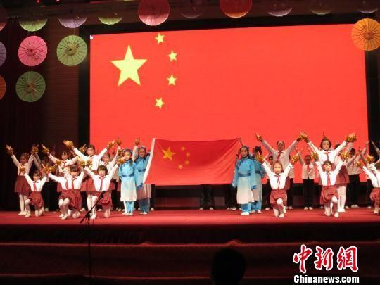 23日,2014年度30名青海高原好少年在西宁市第二十一中学接受表彰图片