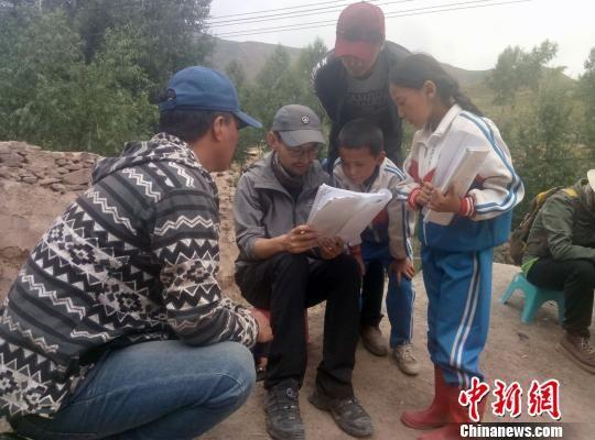 藏语儿童电影《旺扎的雨靴》柏林国际电影全球首映